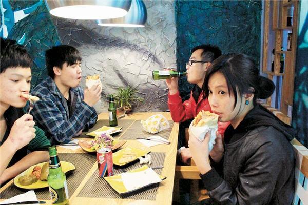 Αποτέλεσμα εικόνας για Κινέζοι τουριστες